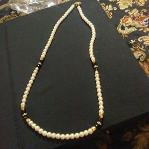 GORGEOUS HANDMADE PEARL NECKLACE